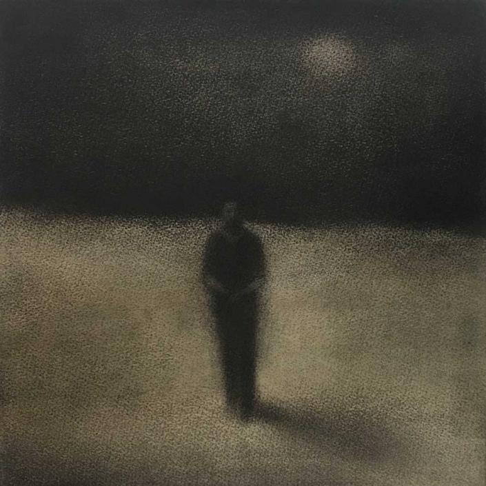 Marcher en silence 1 - 20 x 20 cm - Fusain et aquarelle sur papier marouflé sur bois