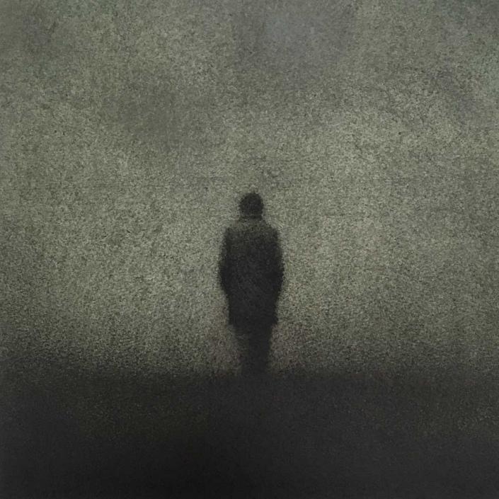 Marina Ho - Marcher en silence 4 - 25 x 25 cm - Fusain et aquarelle sur papier / Bois - 2020