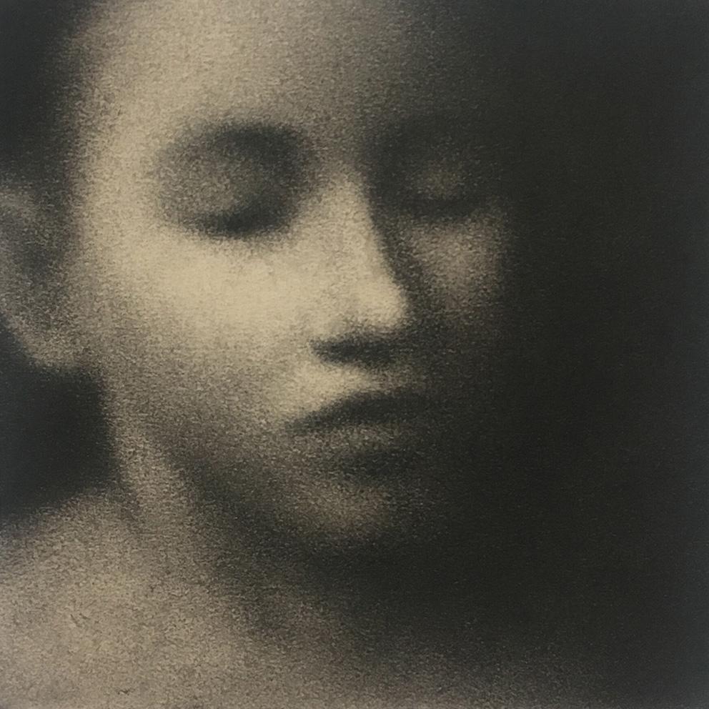 Portrait 2 - 20 x 20 cm - Fusain sur papier marouflé sur bois