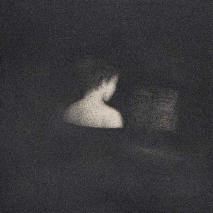 Marina Ho - Figure IV - 20 x 30 cm - Fusain sur papier marouflé sur bois - 2019