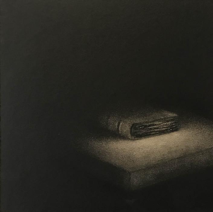 Marina Ho - Le livre - 20 x 20 cm - Fusain et aquarelle sur papier marouflé sur bois