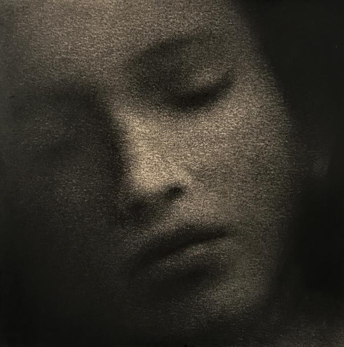 Marina Ho - Songe - 30 x 30 cm - Fusain sur papier marouflé sur bois - 2020