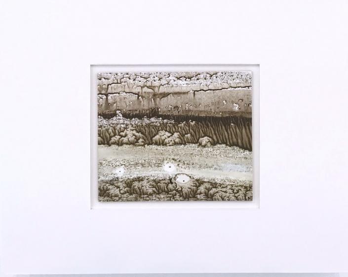 Petit minéral- Encadrement 17 x 21,5 cm - Huile et tempera sur papier
