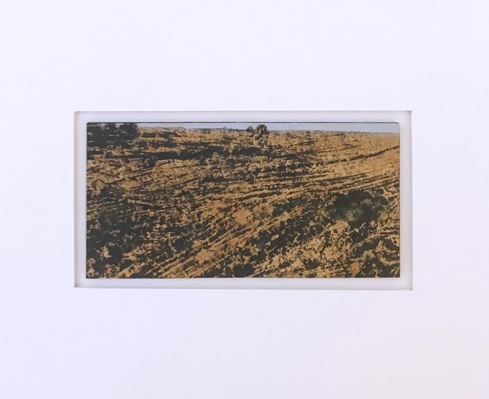 Terre rousse - Encadrement 17 x 21,5 cm - Huile et tempera sur papier