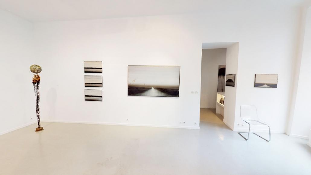 Exposition de Cherel accompagné par des sculptures de Marc Perez