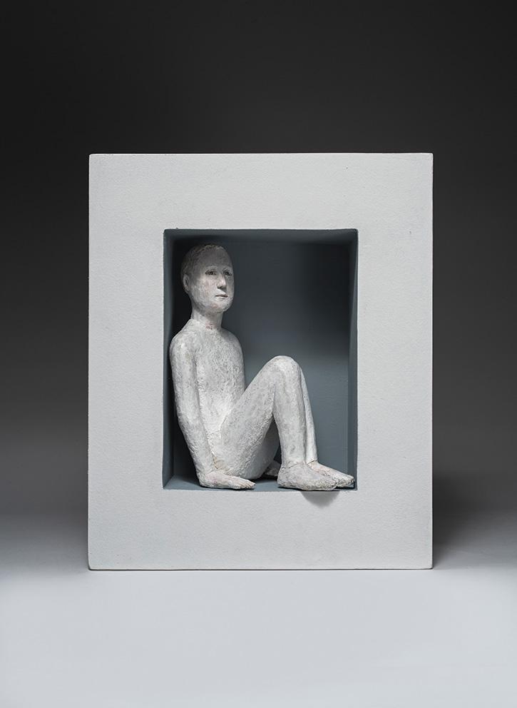Agnès Baillon - Cachette silencieuse - H 32 cm - Papier mâché