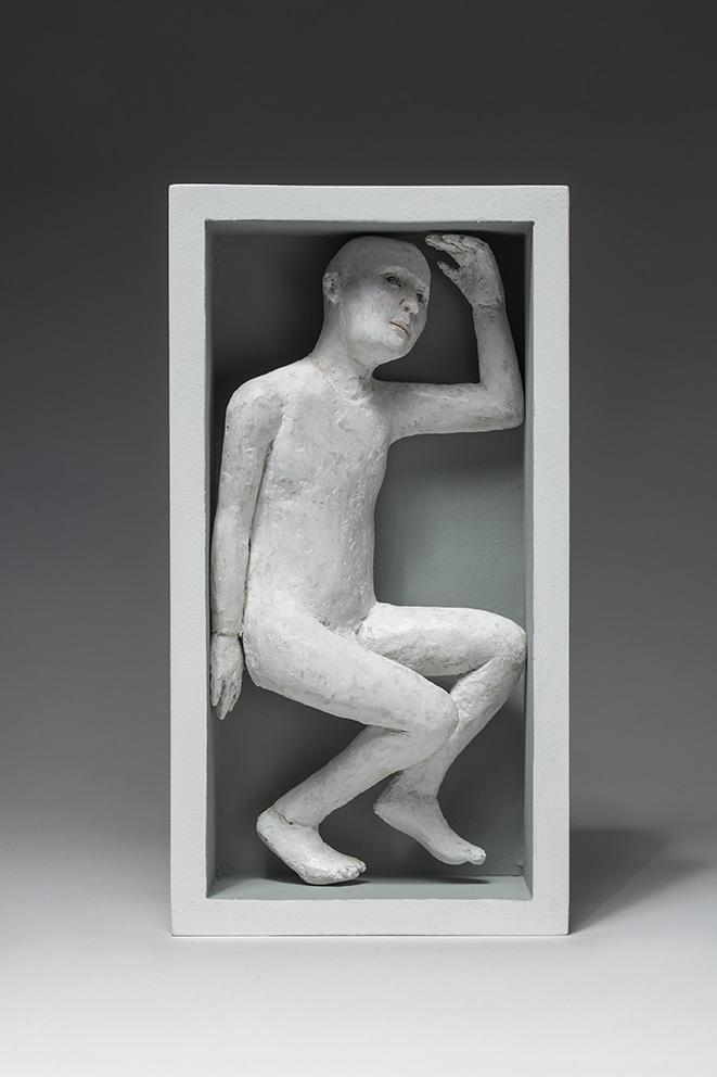 Agnès Baillon - Homme en boîte - H 28 cm - Papier mâché