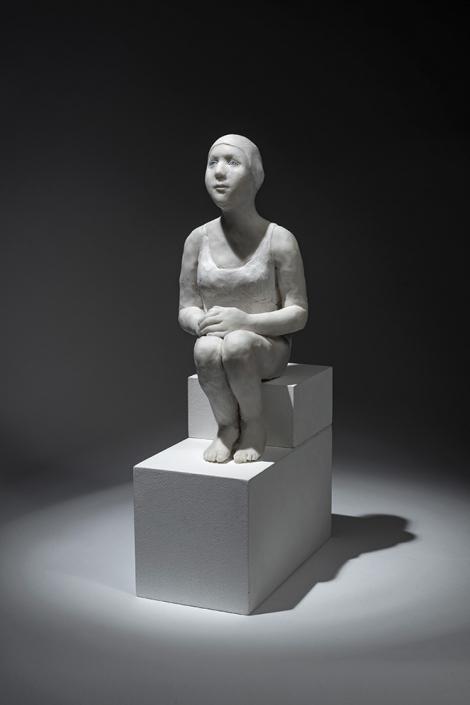 Agnès Baillon - Nageuse sur une marche - H 27 cm - Résine